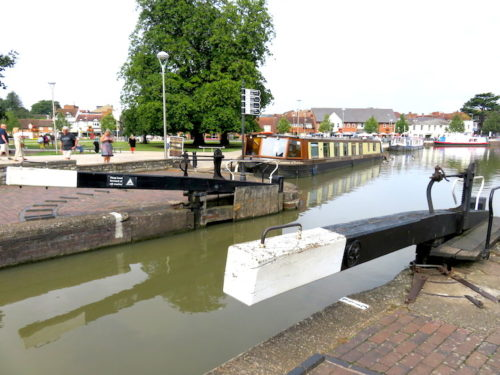 Water gate and canal in Stratford_2