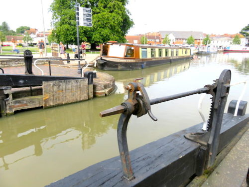 Water gate and canal in Stratford_3