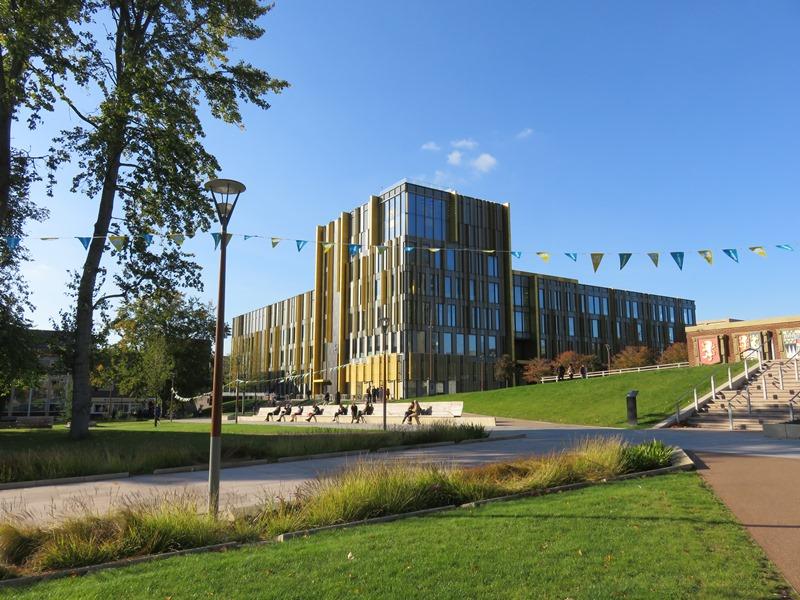 バーミンガム大学の図書館