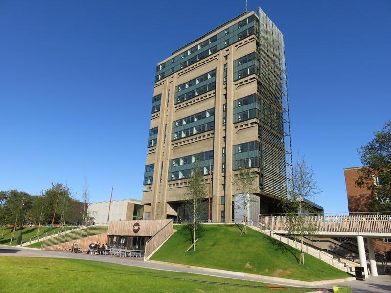 バーミンガム大学のMuirhead Tower