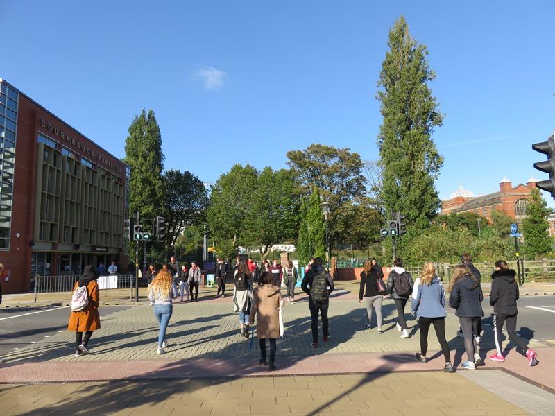 バーミンガム大学の通学路