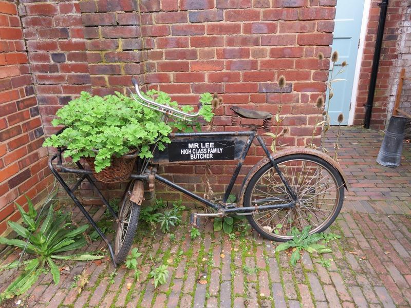 ウィンターボーン・ハウスガーデンのギャラリーの自転車