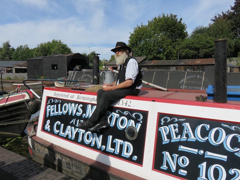 ブラックカントリー生活博物館のボートドックの男性