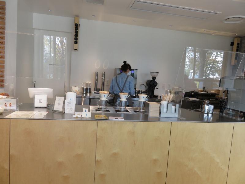 ブルーボトルコーヒー 池袋カフェのカウンター