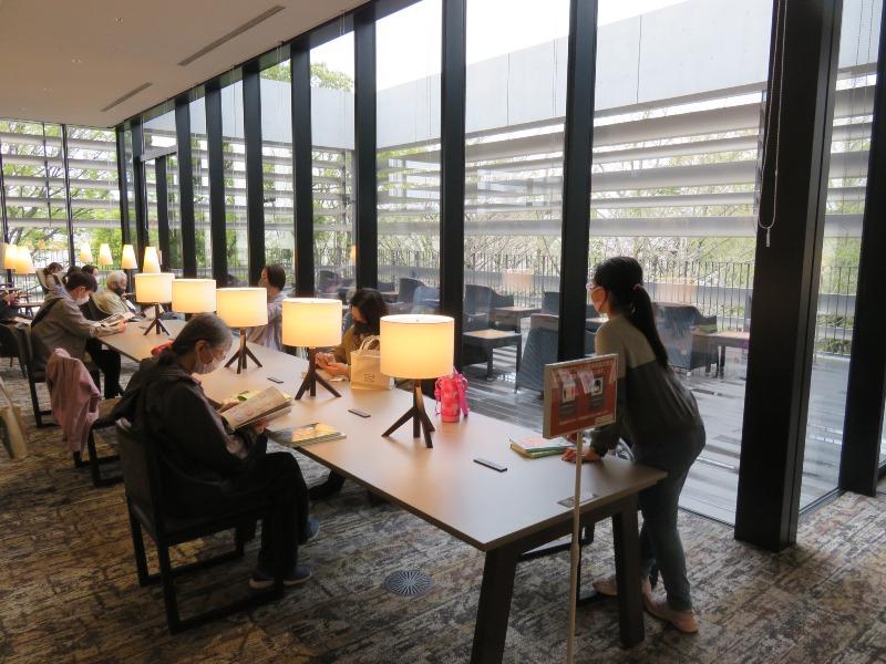 板橋区新中央図書館の読書学習スペース2