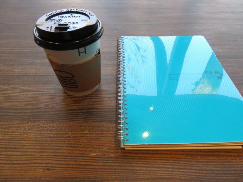 シェイクシャックのブラックコーヒーと勉強道具