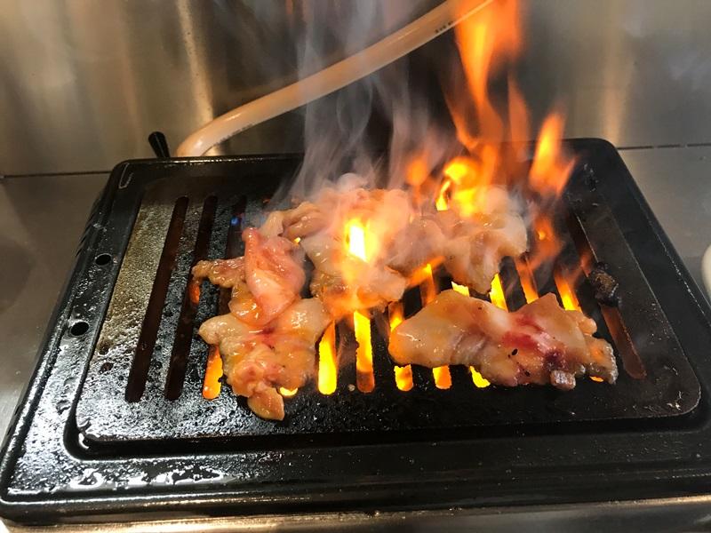 神保町食肉センター赤羽店のガスコンロは火力が強い