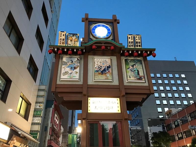 人形町のシンボル櫓(からくり時計)