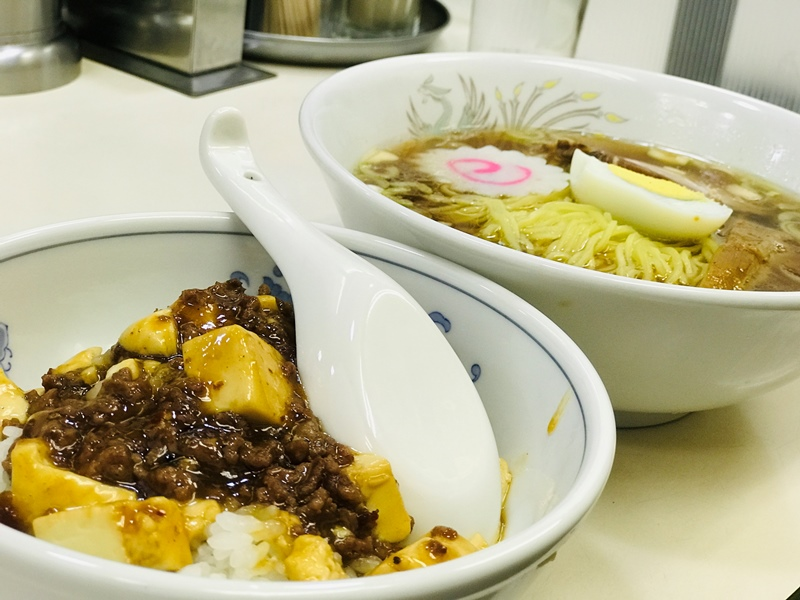 東武練馬の中華料理屋天宝の麻婆丼
