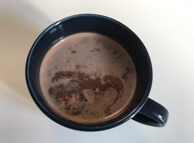GronG(グロング) ホエイプロテインはコップに入れて溶かして飲める