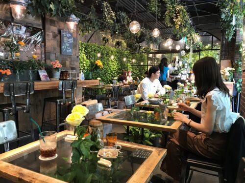 青山フラワーマーケット ティーハウス赤坂Bizタワー店の内観