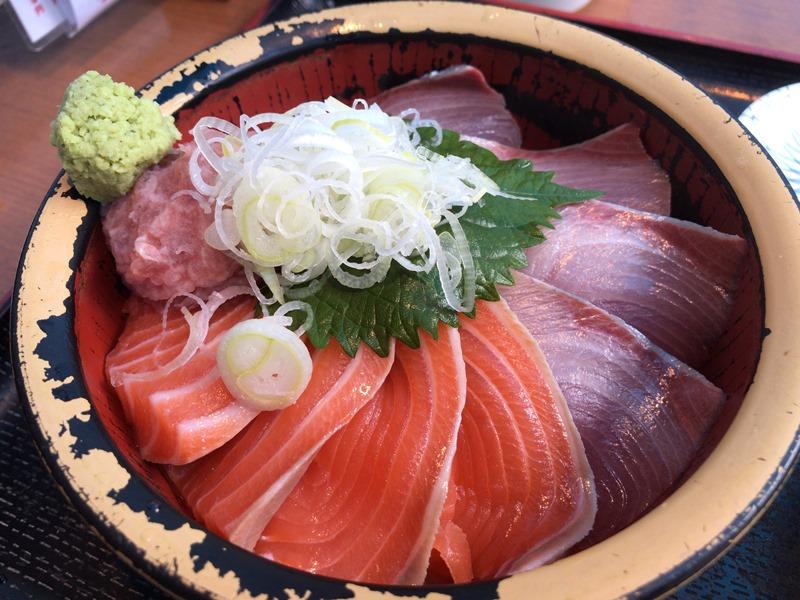 タカマル鮮魚店の海鮮ランチ
