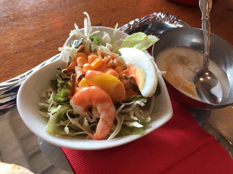 池袋東口トムボーイのランチセットのサラダ