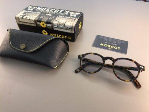 モスコットのミレゼンと眼鏡ケース